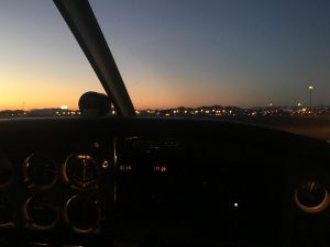022 300x225 - プライベート飛行機でSunrise Flight to セドナ(Sedona)