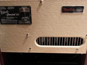 IMG 2011 300x225 - [試奏あり] Fender FSR - Blues Junior Ⅲ Bordeaux Reserve購入!