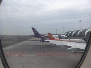IMG 7232 300x225 - タイ航空A380:2階2-4-2の窓側エコノミー席の特別感!