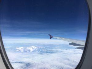 IMG 7234 300x225 - タイ航空A380:2階2-4-2の窓側エコノミー席の特別感!